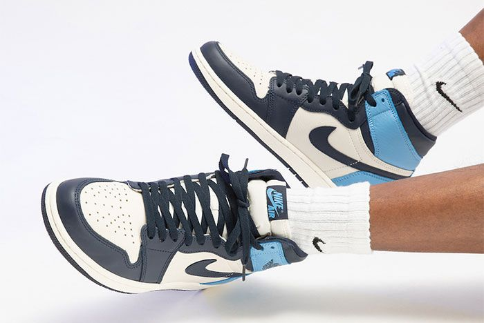 Air Jordan 1 High Og Obsidian On Foot Toe 2