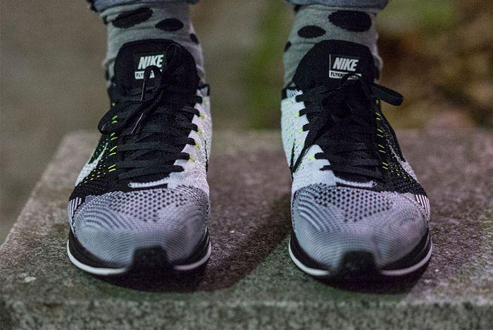 Nike Flyknit Racer Volt Flywire 3