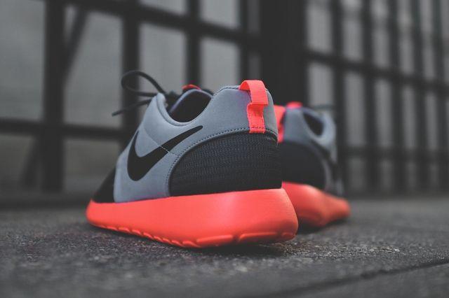 Nike Roshe Run Magnet Grey Mango 3