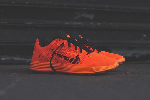 Nike Lunaracer 3 Total Orange 7