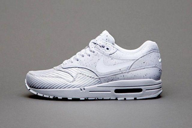 Nike Sportswear Monotones Vol1 3