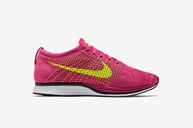 Nike Flyknit Racer Fireberry Bump1