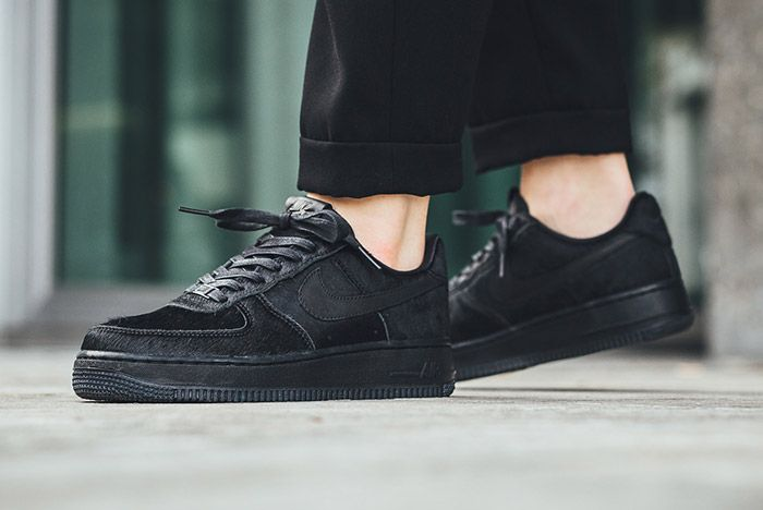 Nike Air Force 1 07 Black Wmns Pony Hair 1