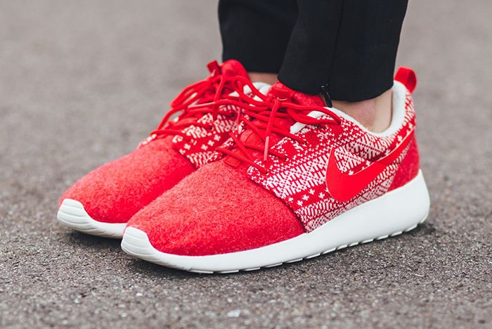 Nike Roshe One Winter Wmns Sweater Pack