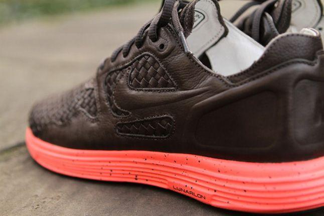 Nike Lunar Flow Woven Pack Heel 1