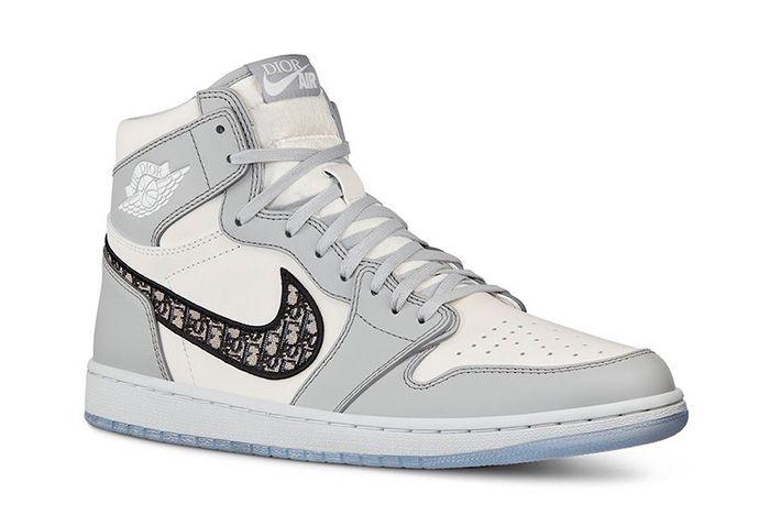 Dior Air Jordan 1 Side