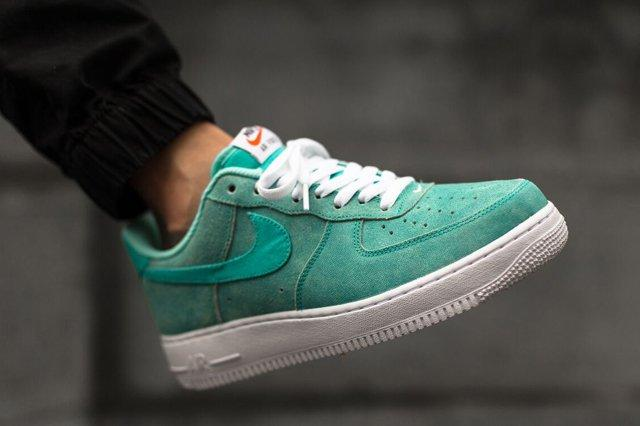 Nike Air Force 1 Low Light Retro Green Canvas 2