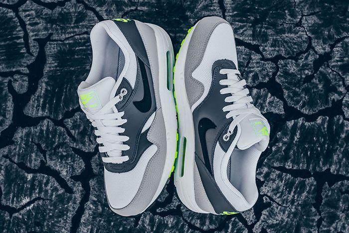Nike Air Max 1 Neon6