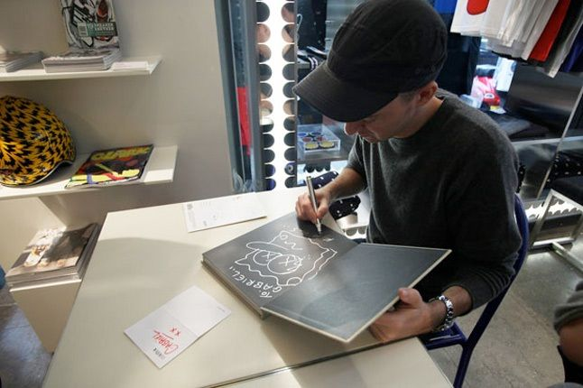 Kaws Book Signing Colette 7 1
