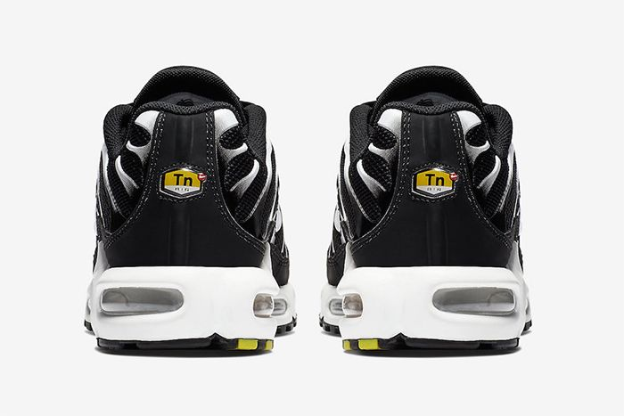 Nike Air Max Plus Black Reflective Silver Release Date Heel