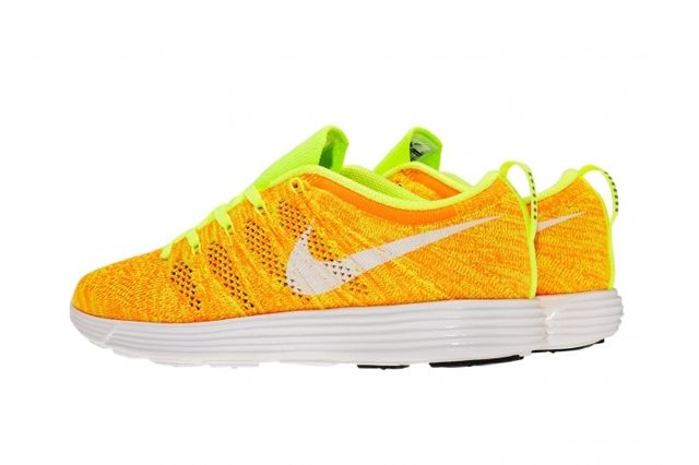 Nike Wmns Flyknit Trainer February Releases 6
