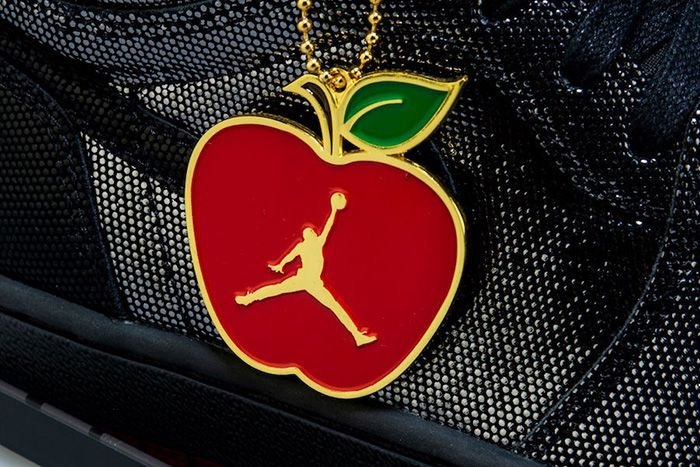 Air Jordan 1 Retro High Og Sp Gina Cd7071 001 Shoe Palace Release Date Hangtag