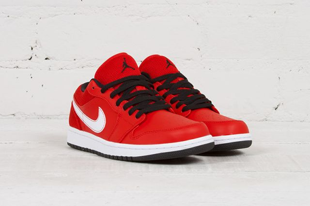 Air Jordan 1 Low University Red 2