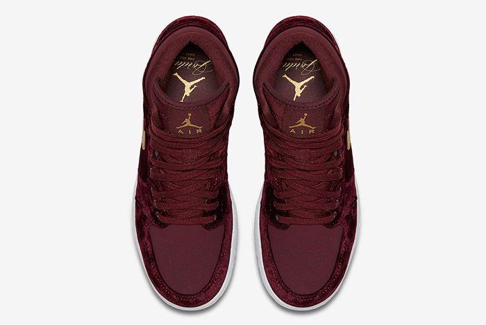Air Jordan 1 Heiress Velvet 2