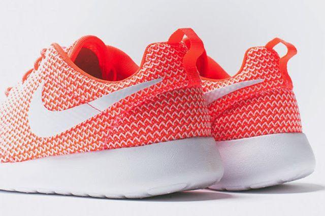 Nike Roshe Run Wmns Releases 4