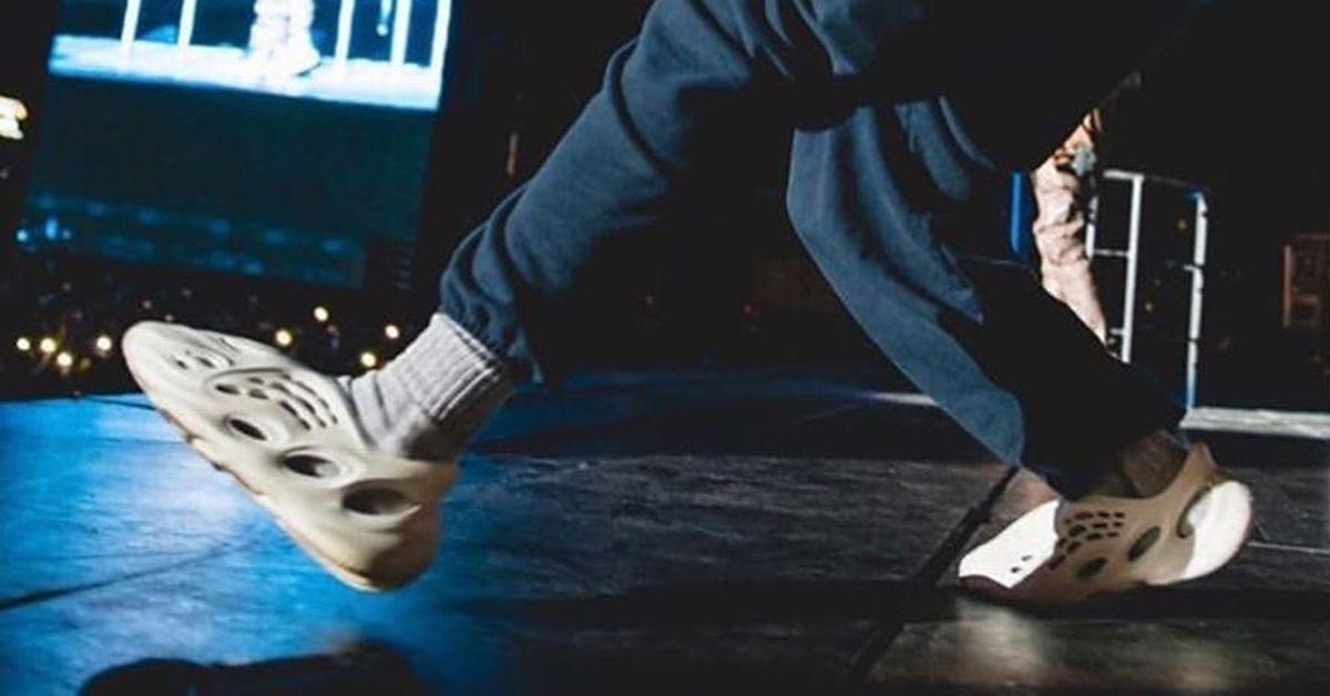 Kanye West Wears the Yeezy Foam Runner