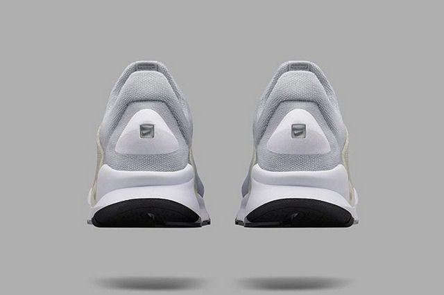 More Nike Sock Dart 8