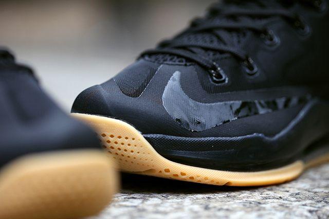 Nike Lebron 11 Low Black Gum