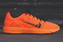 Nike Lunaracer 3 Total Orange Thumb