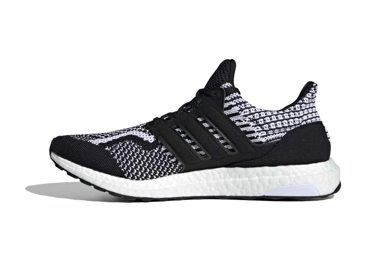 adidas UltraBOOST DNA 5.0 'Core Black/Cloud White'