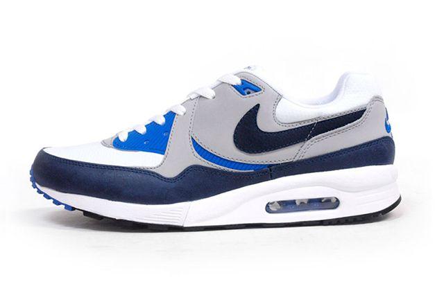 8 Nike Air Max Light 1