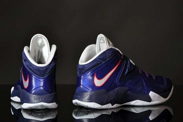 Nike Zoom Soldier Viii Deep Royal 3
