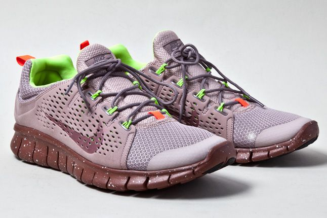 Nike Free Powerlines 2 Diffused Taupe Quater 1