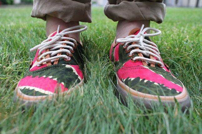 Bodega Vansvault Coming To America Green Fuschia Onfoot 1