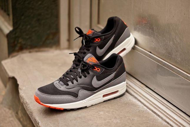 Nike Air Max 1 Essential Black Grey Outer Hero 1