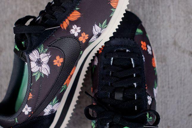 Nike Classic Cortez Nylon Qs Aloha Pack 2013 Black Detail 1