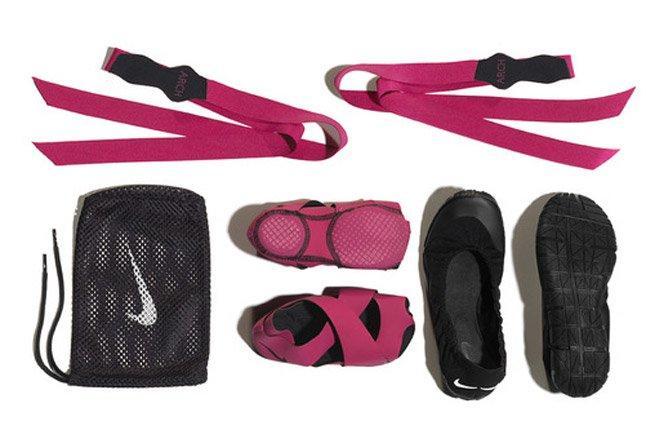 Nike Studiowrap Contents 1