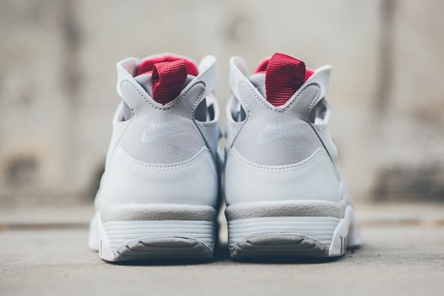 Nike Air Trainer Huarache White Uni Red 2
