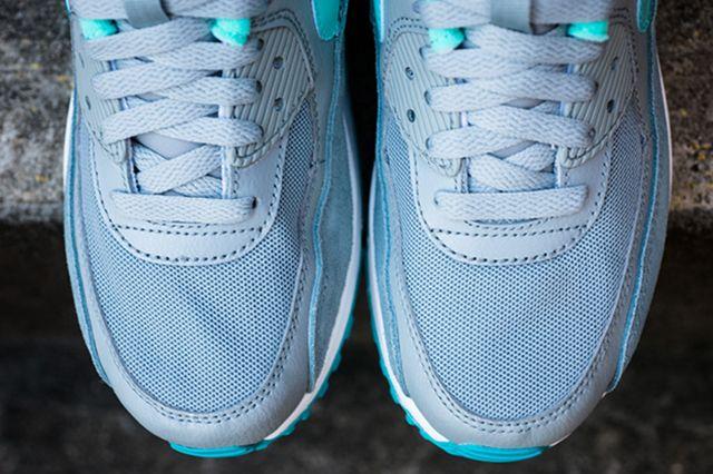 Nike Womens Air Max 90 Silver Hyper Turquoise 13