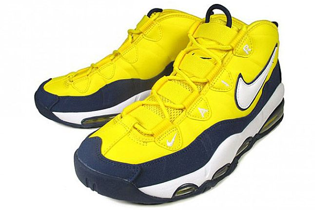 Nike Air Max Tempo Wolverines 02 1