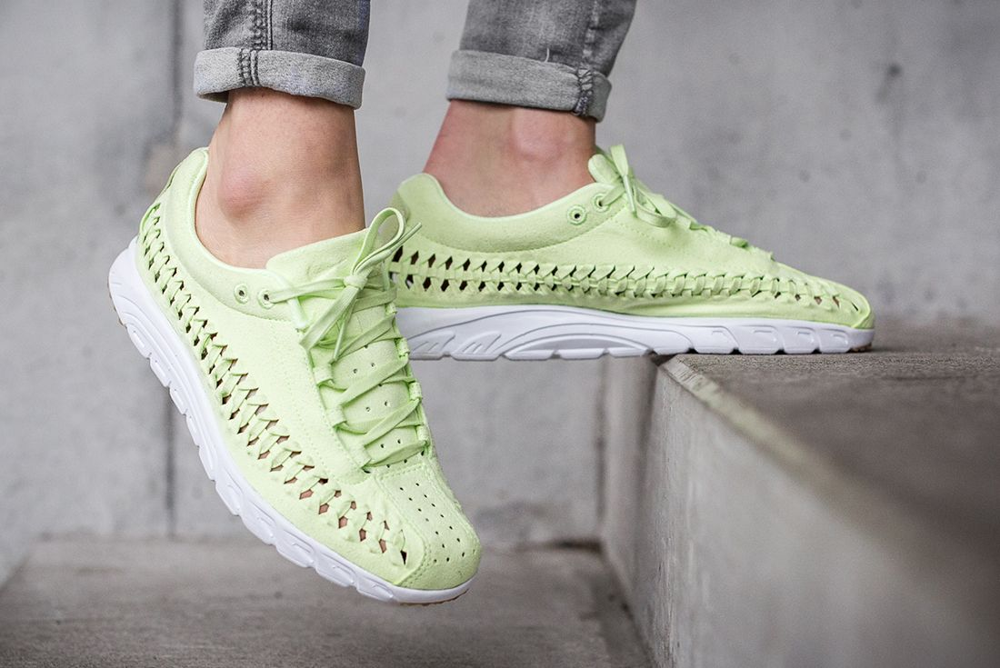 Nike Mayfly Woven Womens Pastel Pack 8