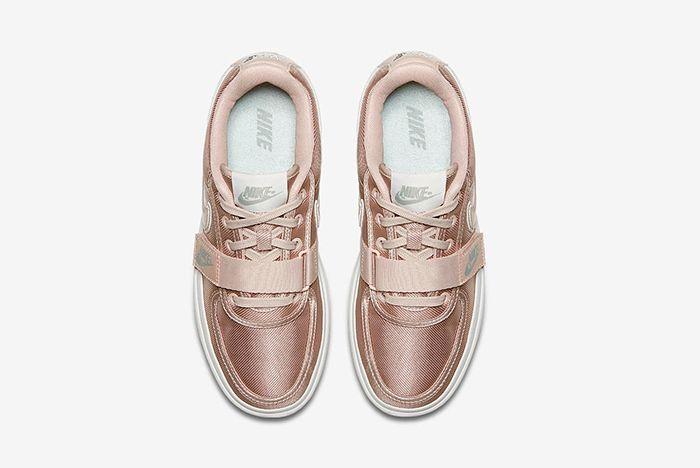 Ao2868 200 D Prem Sneaker Freaker
