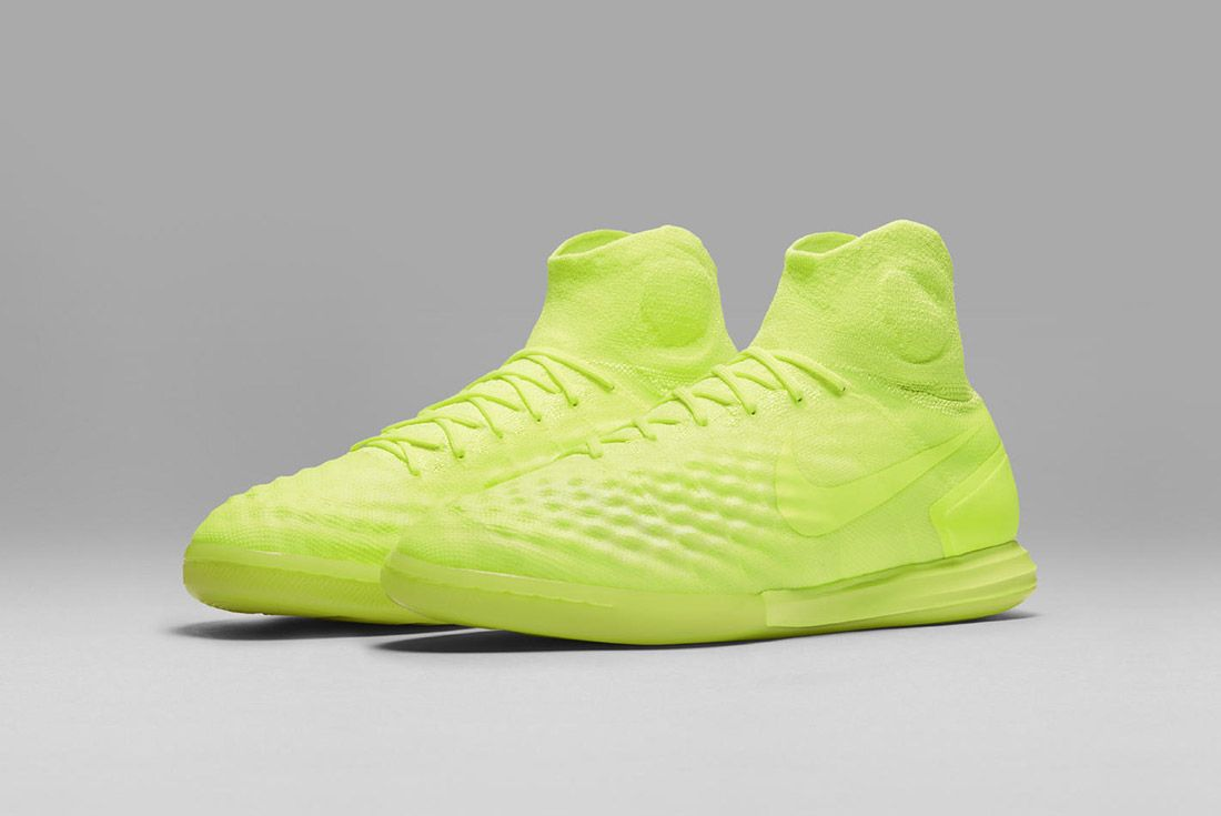 Nike Floodlights Glow Pack Magistax Yellow 2