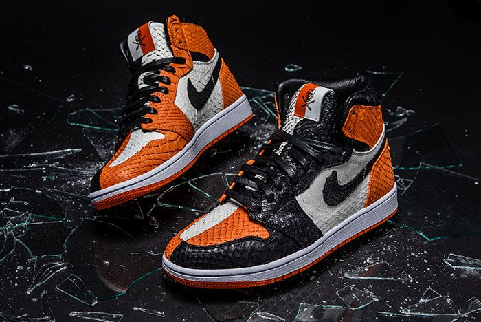 Shoe Surgeon Air Jordan 1 Sbb Front Angle Glass