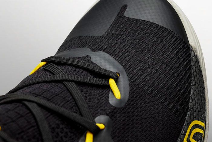 Under Armour Curry 6 Thank You Toe