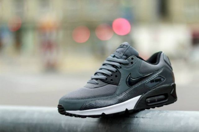 Nike Wmns Air Max 90 Pure Platinumdark Grey Black 1