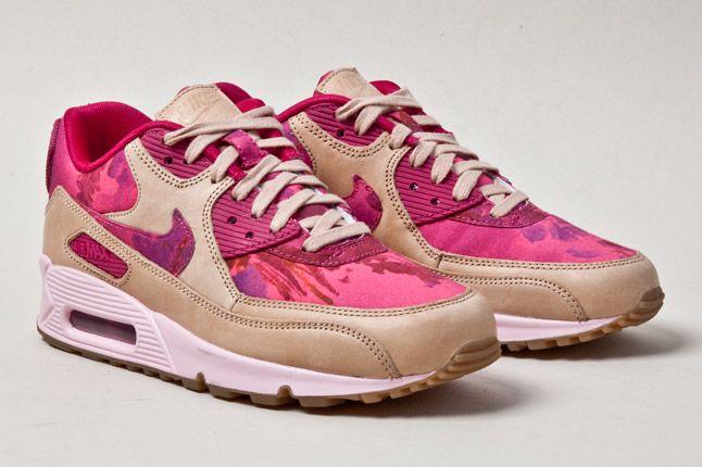 Nike Air Max 90 Womens Floral Tan Pair 1