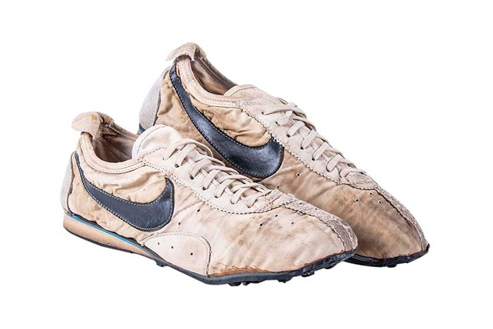Nike Moon Shoe Auction Right Three Quarter Shot