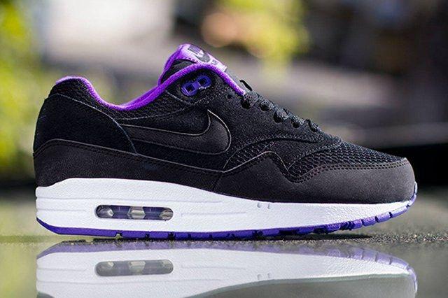 Nike Womens Air Max 1 Essential Black Hyper Grape 2