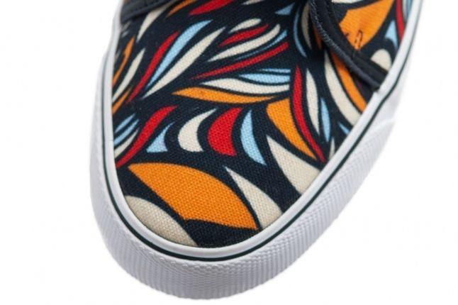 Nike Toki Textile Midasgold Pimento Toe Detail 1