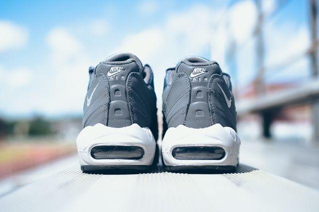 Nike Air Max 95 Dark Grey Wolf Grey 4