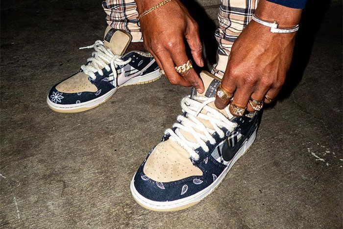 Travis Scott Nike Sb Dunk Low Left