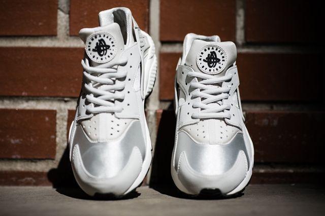 Nike Huarache Wmns Light Bones 1