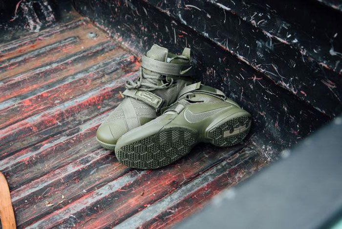 Nike Lebron Zoom Soldie 9 Olive 3