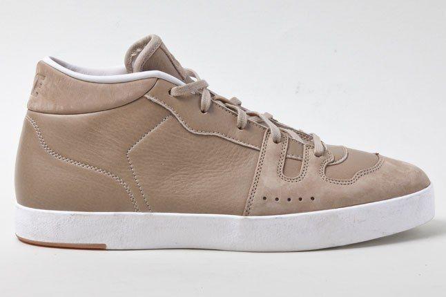 Nike Manor Khaki 1 1