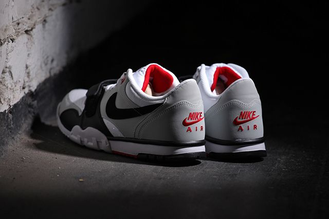 Nike Air Trainer 1 Low White Black Red B7 1